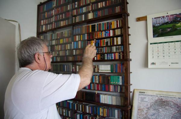 Minik Kitaplardan Oluşma Dev Kütüphane – Jozsef Tari Library